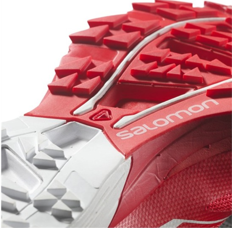 LChaussure de trail running salomon s-lab sense ultra 3, ideale pour la neige